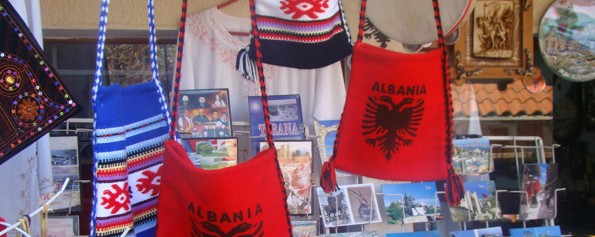 Albania copertina